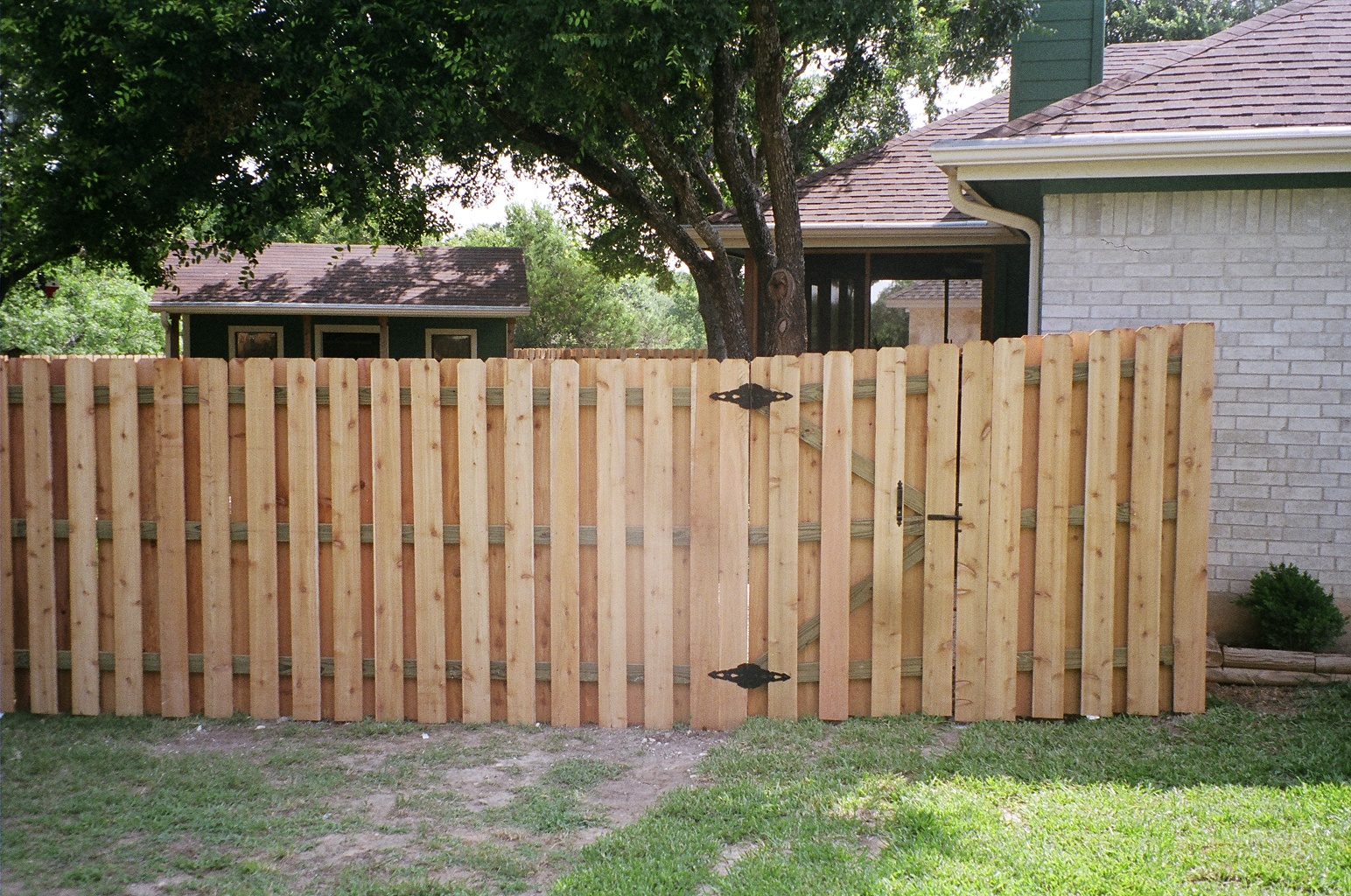 Picture of: Wood Privacy Phoenix Fence